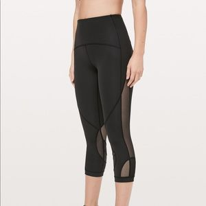 "LULULEMON | Clear The Court Crop Mesh 21"" Black"
